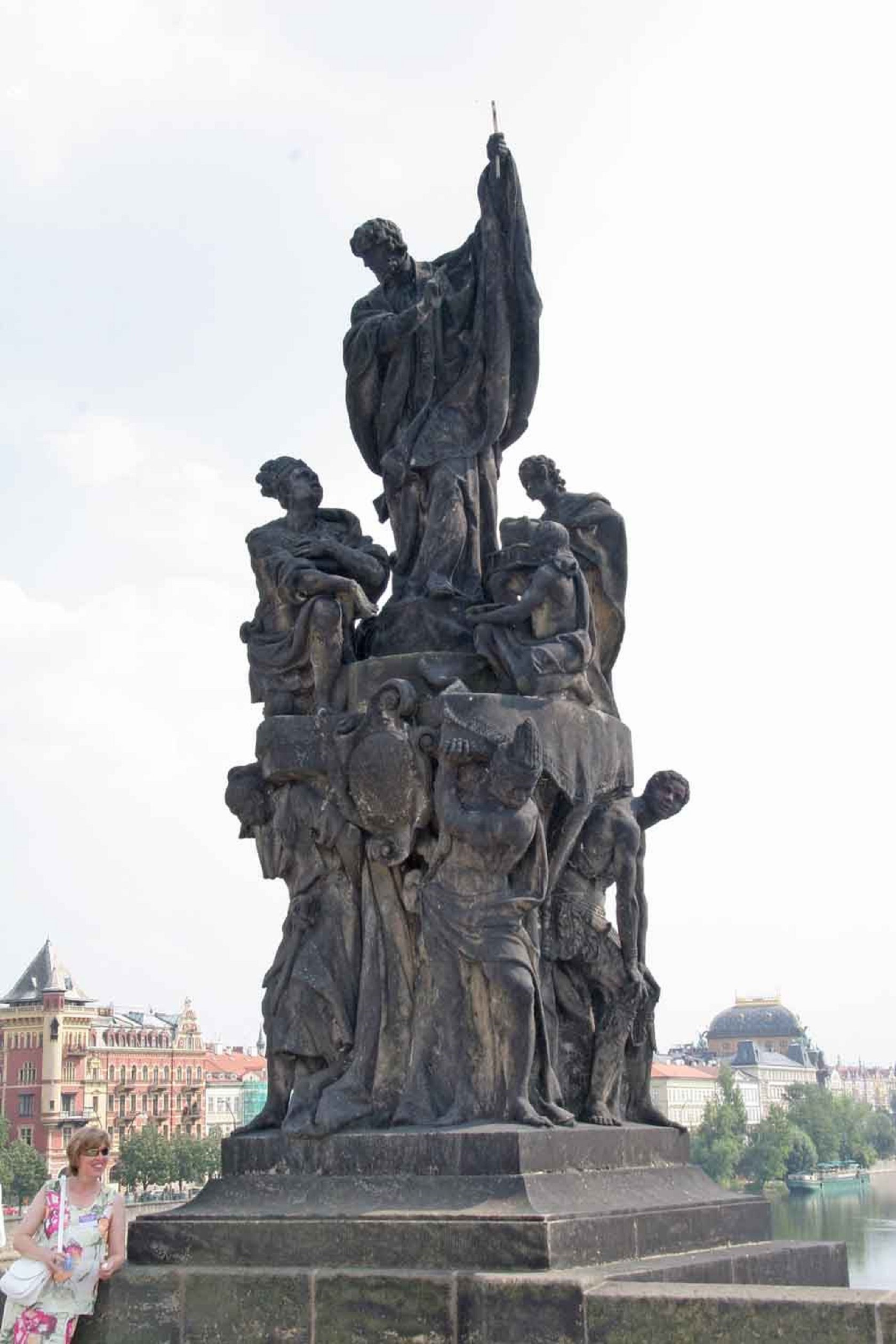 Фигура Франциско Ксаверье на Карловом мосту