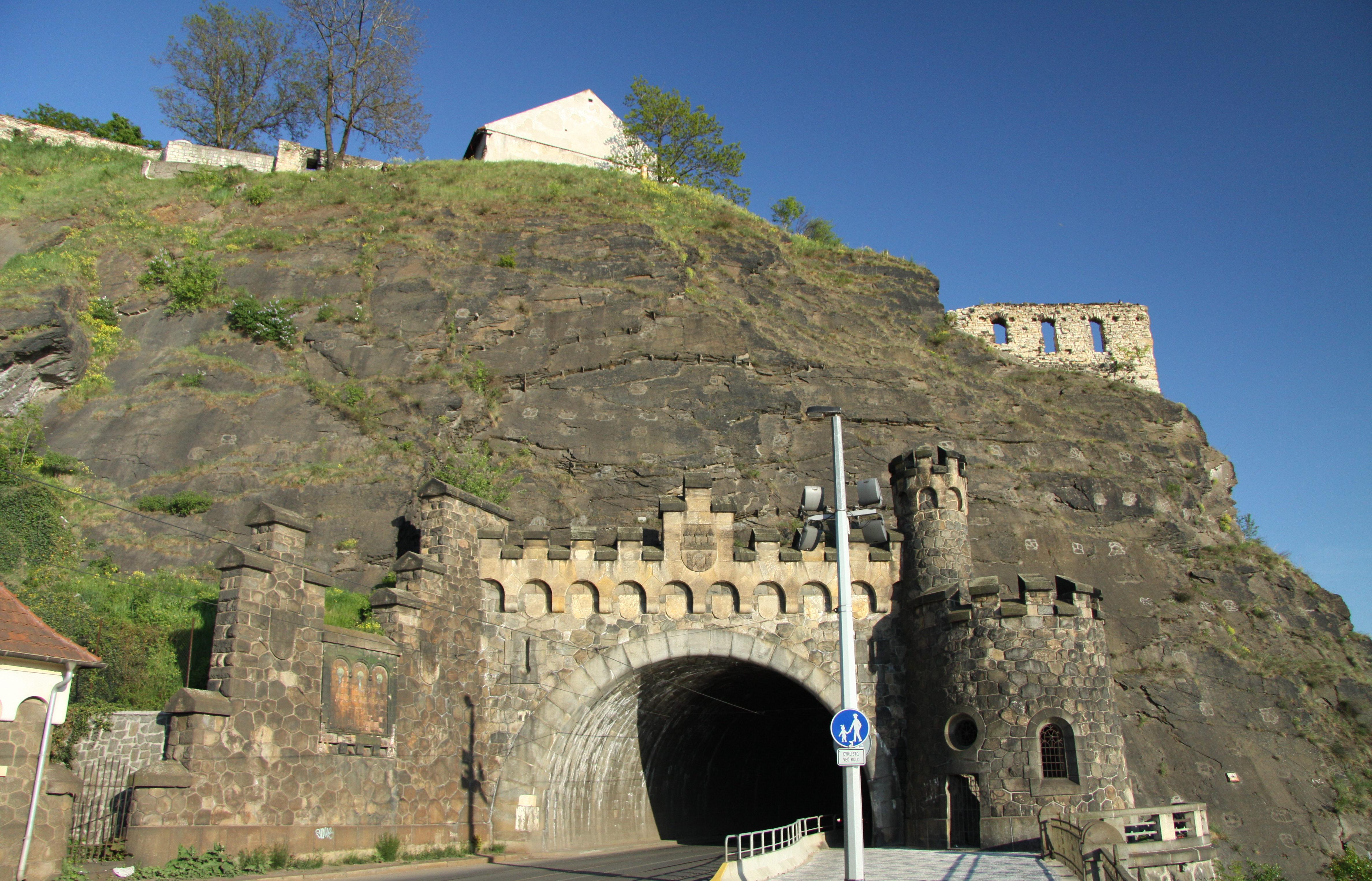 Вышеградский тоннель