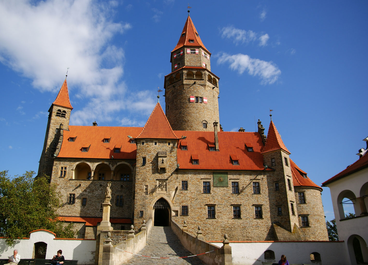Замок Боузов (Bouzov)