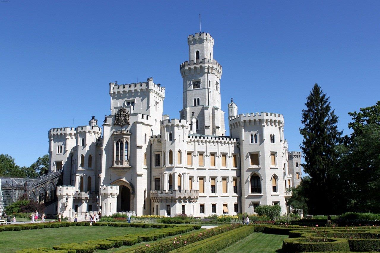Замок Глубока-над-Влтавой (Hluboká nad Vltavou)