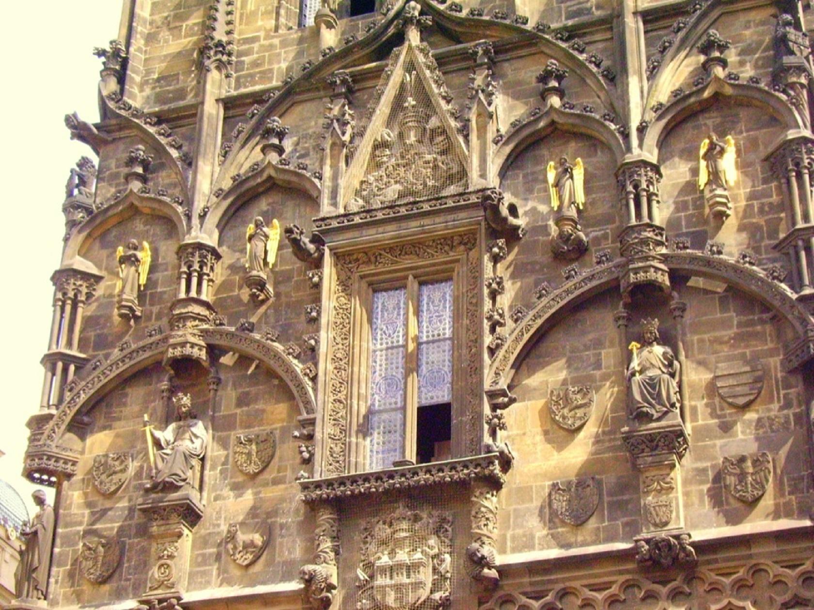 Короли и ангелы на Пороховой башне