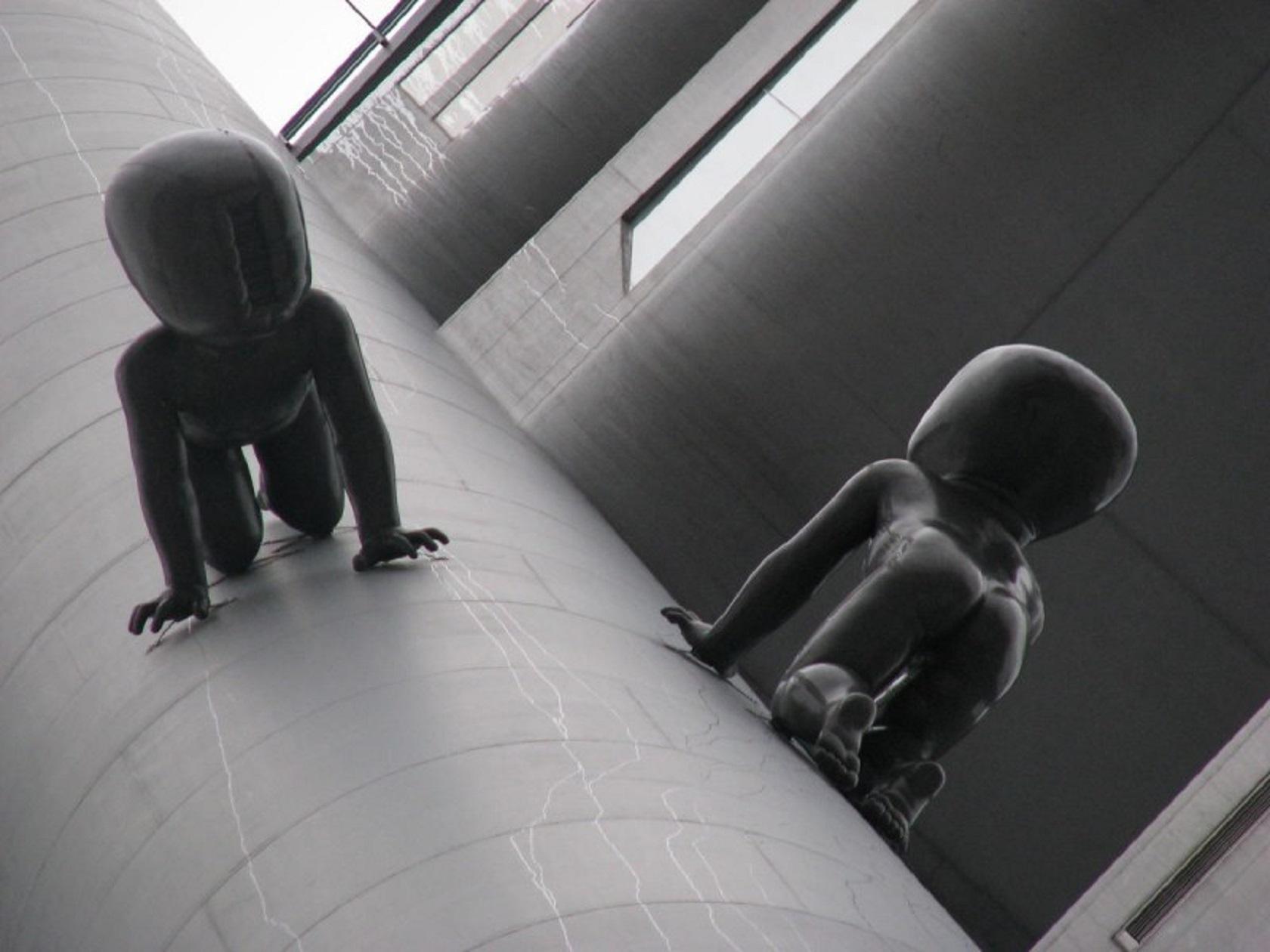Младенцы на Жижковской телебашне