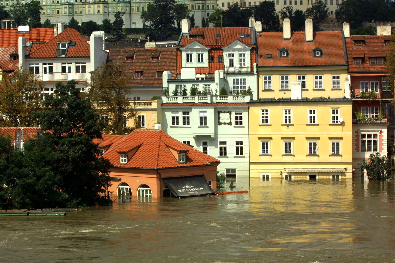 Пражское наводнение 2002