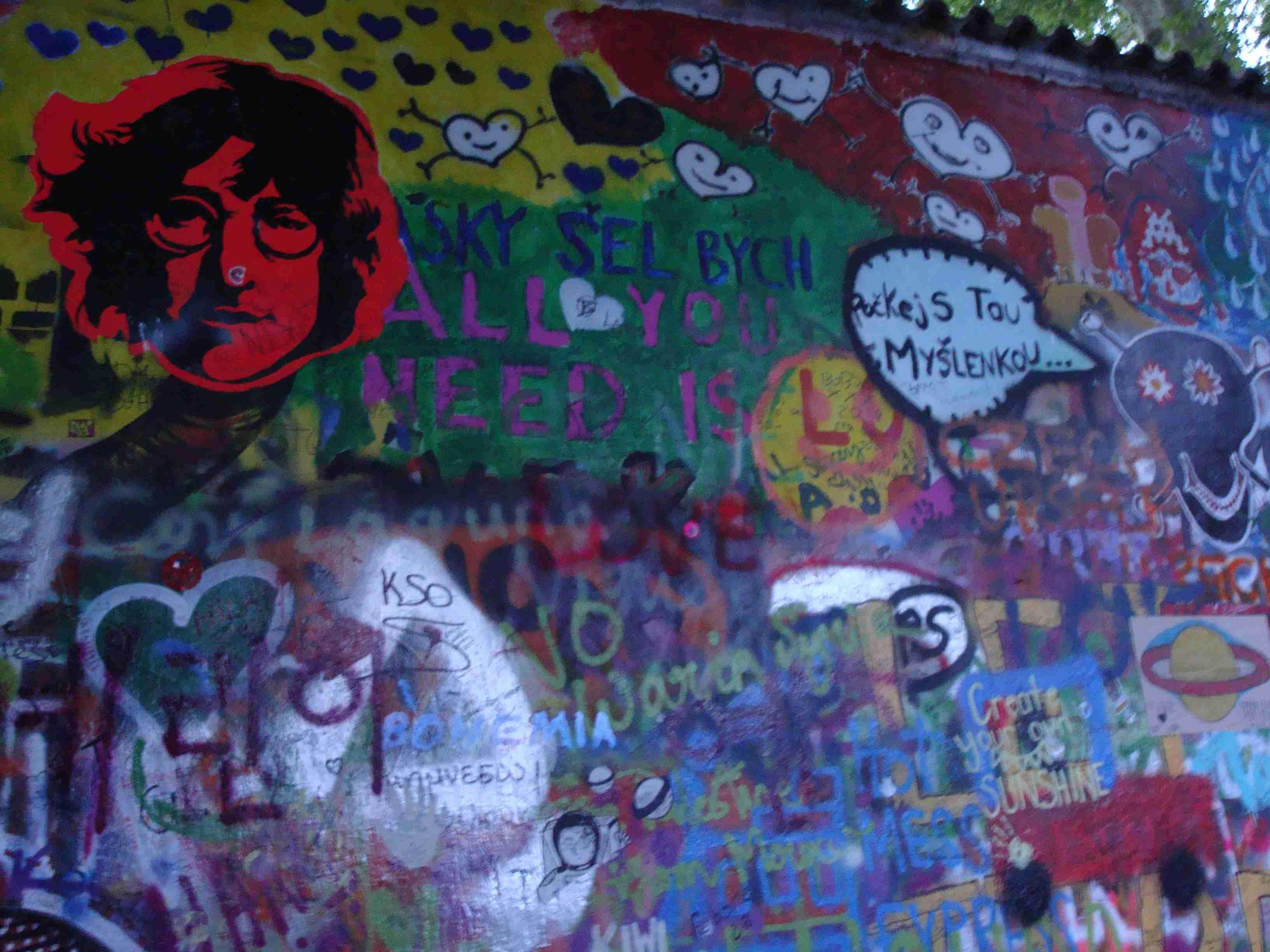 Стена Леннона 3