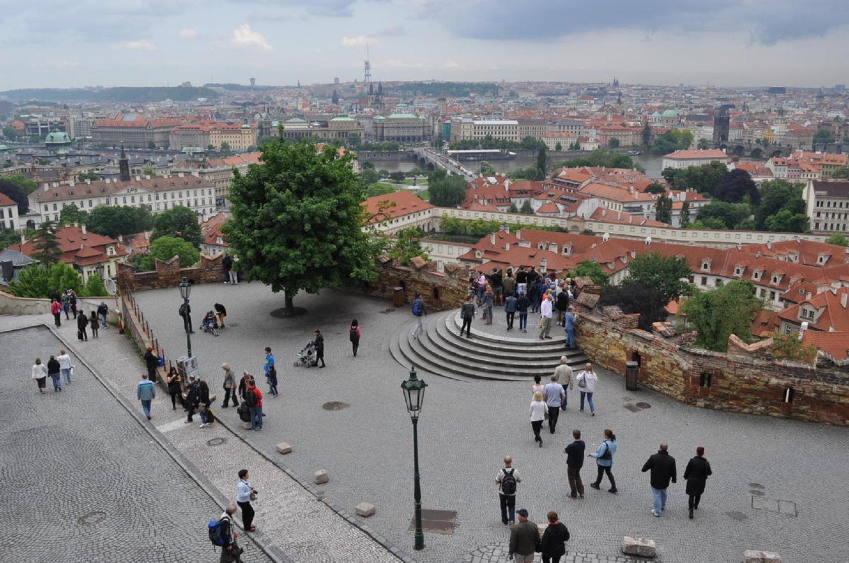 Вид с площадки Пражского Града
