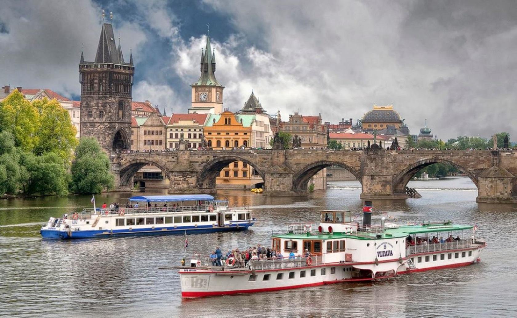 Водная прогулка по Влтаве в Праге