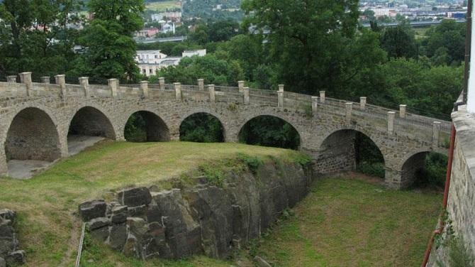 Мост в замке Дечин