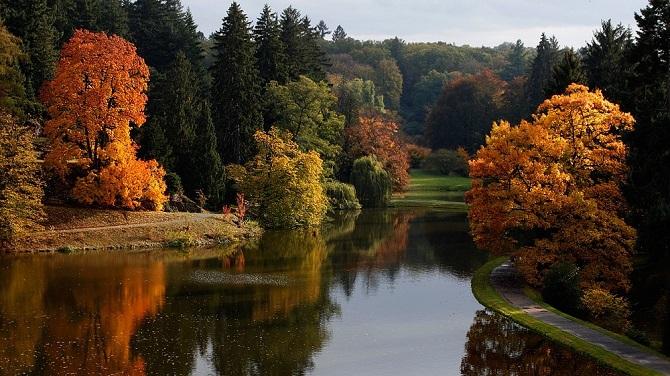 Парк Пругонице осенью