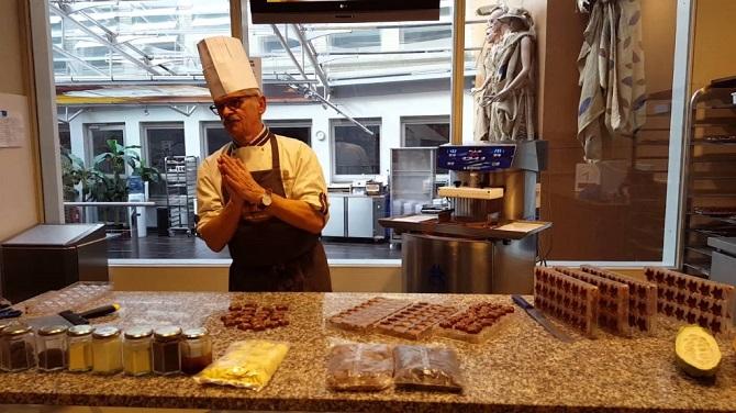 Приготовление шоколада в Музее шоколада