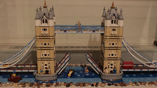 Тауэрский мост в музеей Лего