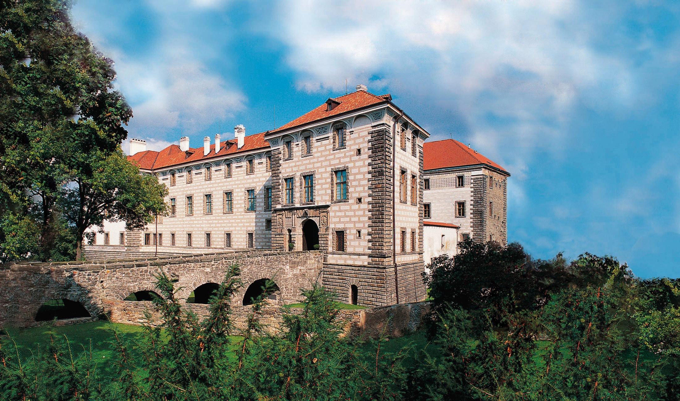 Замок Нелагозевес (Nelahozeves)