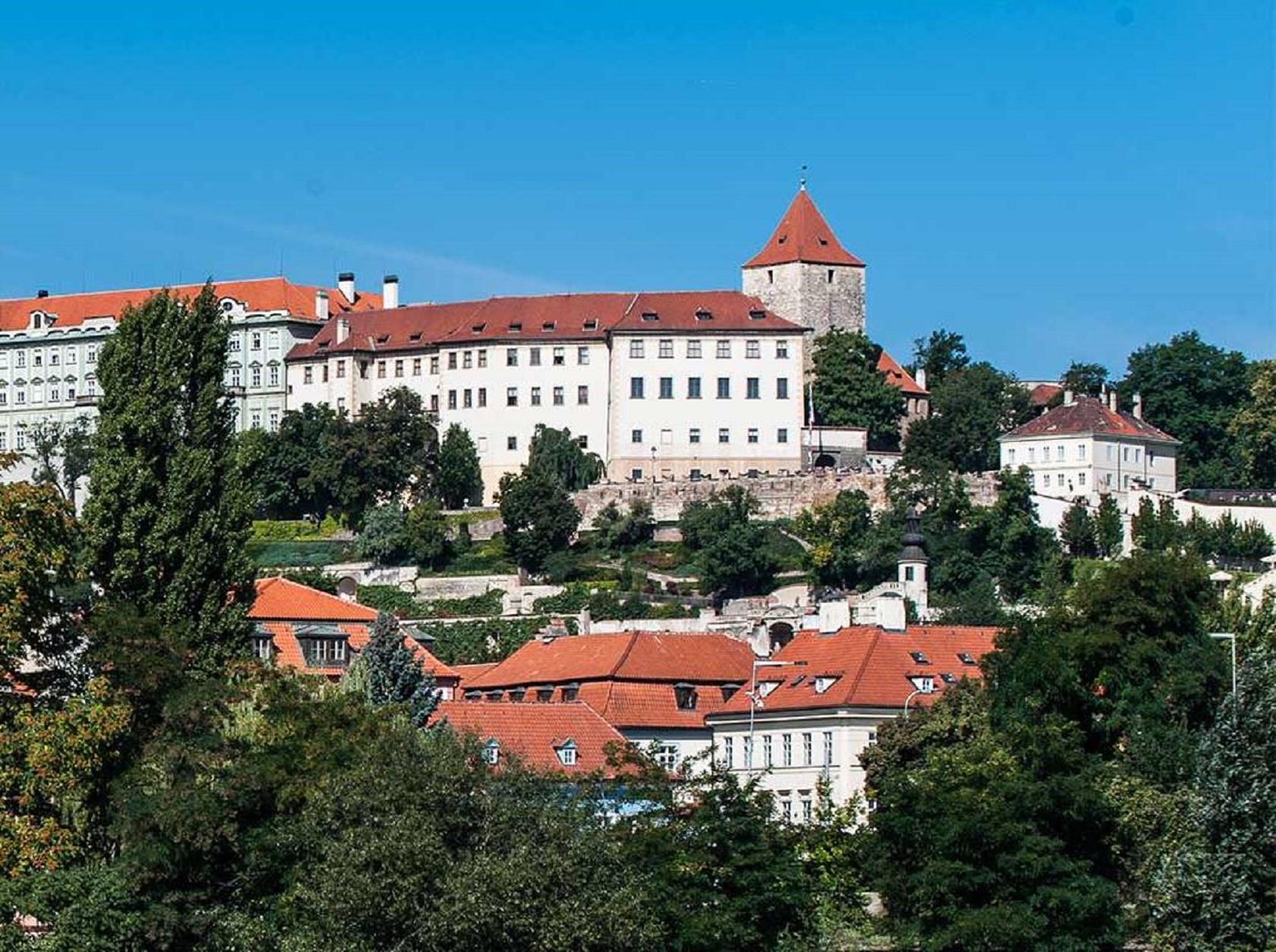 Дворец Лобковиц в Пражском Граде